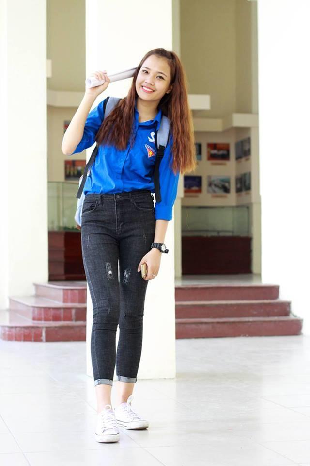 Ngoài đời, Nguyễn Thị Phấn là một nữ sinh cá tính, năng động và tích cực tham gia các hoạt động từ thiện.