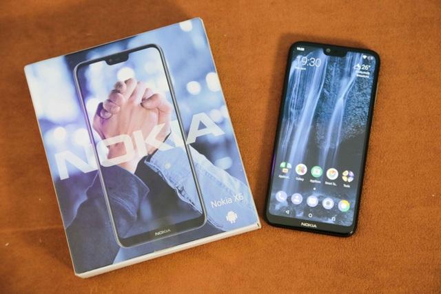 Ra mắt chưa lâu tại Trung Quốc, những mẫu Nokia X6 mới đã cập bến thị trường Việt với mức giá chào bán khoảng 6,6 triệu đồng dành cho phiên bản RAM 3 GB và 7,4 triệu đồng dành cho phiên bản RAM 4 GB.