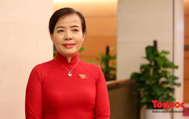 ĐBQH Nguyễn Thị Kim Thuý (đoàn Đà Nẵng): Phó Thủ tướng đã trả lời chất vấn rất bao quát, đi thẳng vào vấn đề.