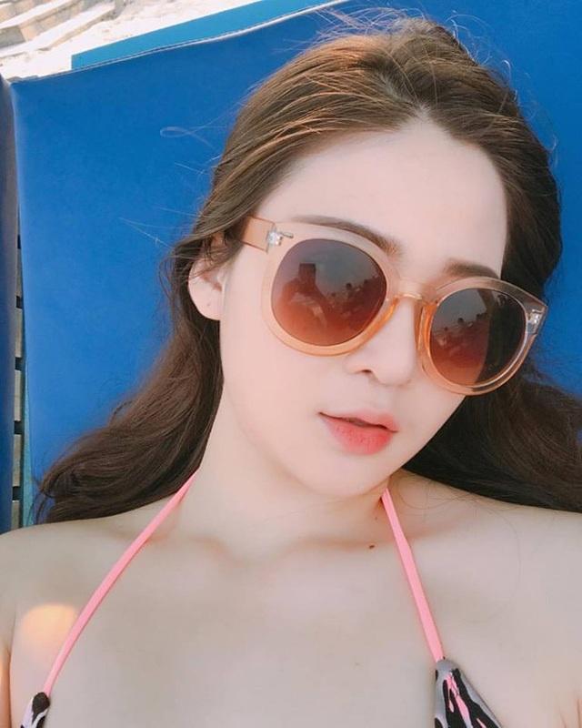 Thái Thảo Nguyên (sinh năm 1998, sinh viên trường Đại học RMIT) cũng là em út trong một gia đình có ba chị em vô cùng xinh đẹp.