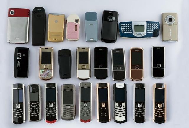 Giờ bộ sưu tập điện thoại của anh lên tới 60 chiếc, giá trị hàng chục tỷ đồng