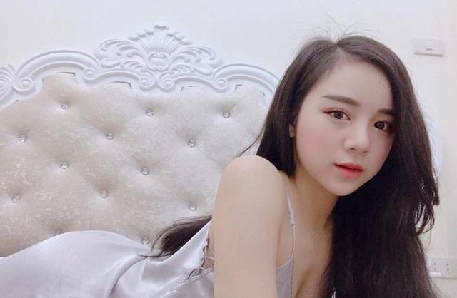 Sau khi tốt nghiệp THPT, Thủy Tiên mong muốn theo đuổi nghiệp ca hát.