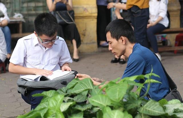 Thí sinh Hà Nội mải miết ôn bài trước khi thi vào lớp 10 - 6