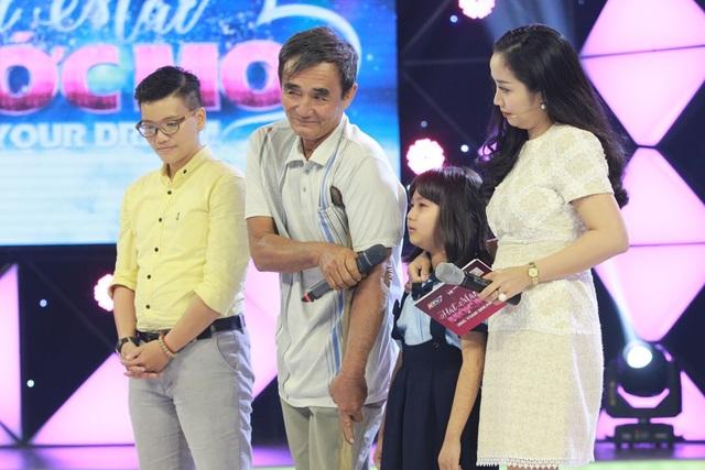 Minh Phương và bố con ông Đực.