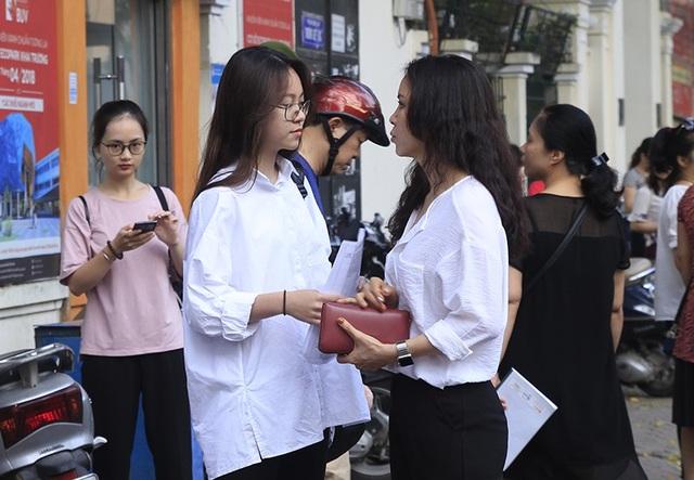Thí sinh Hà Nội mải miết ôn bài trước khi thi vào lớp 10 - 13