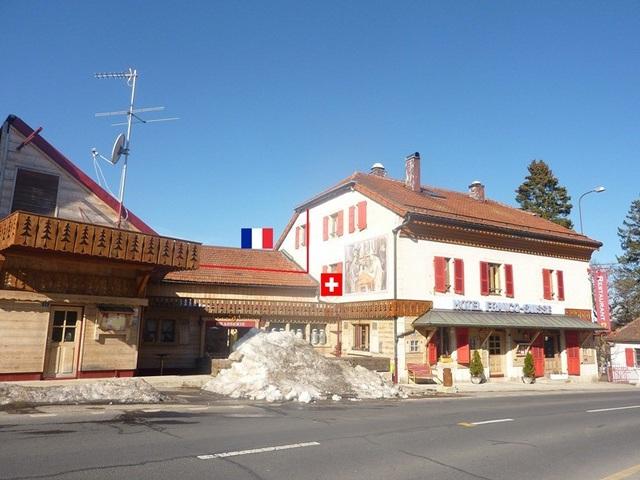 Khách sạn nhìn từ đất Thụy Sỹ