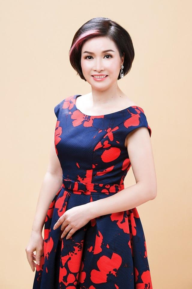 Nhan sắc của Hoa hậu Bùi Bích Phương sau 30 năm đăng quang Hoa hậu Việt Nam.