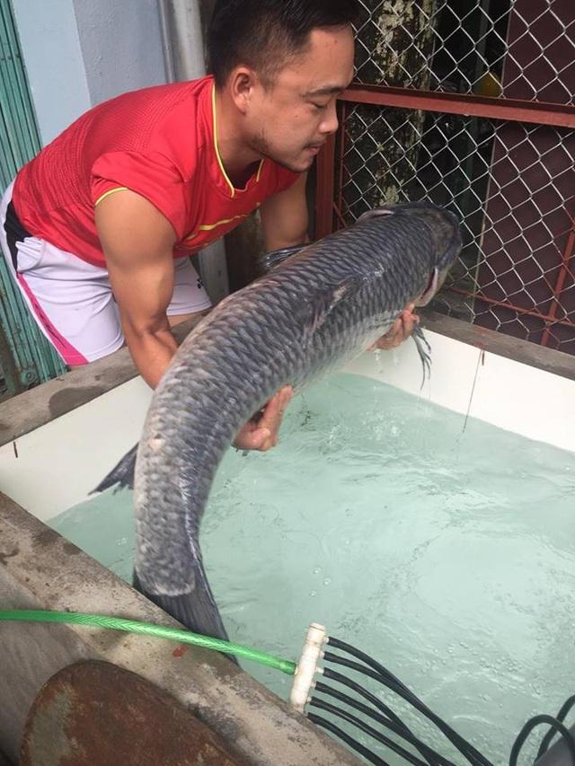 Con cá nặng 30kg, dài 1,2m.