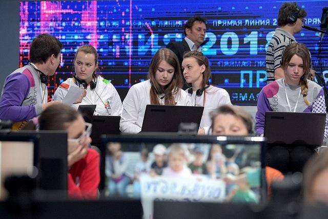 Người dân Nga đã gửi câu hỏi cho Tổng thống Putin từ ngày 27/5 và tính tới hôm qua, ban tổ chức đã nhận được gần 2,6 triệu câu hỏi.