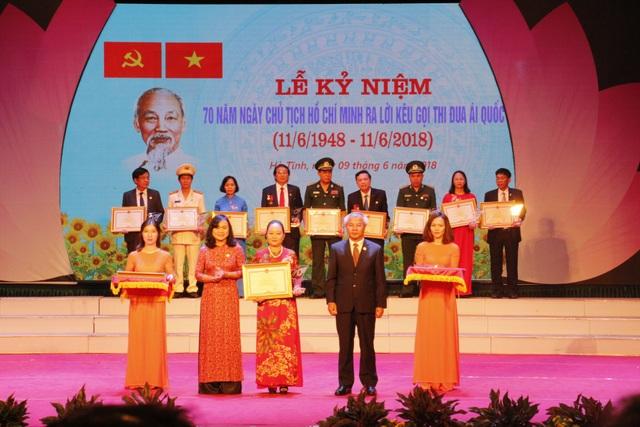 Hà Tĩnh: Vinh danh 70 tập thể, cá nhân xuất sắc trong phong trào thi đua yêu nước - 3