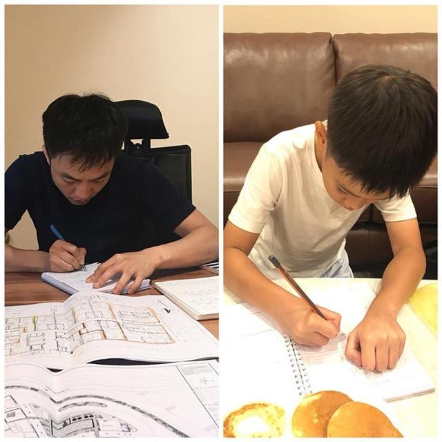 Quốc Cường chia sẻ hình ảnh anh đang làm việc còn con trai Subeo đang học bài, anh viết: Chúng ta cùng cố gắng nào