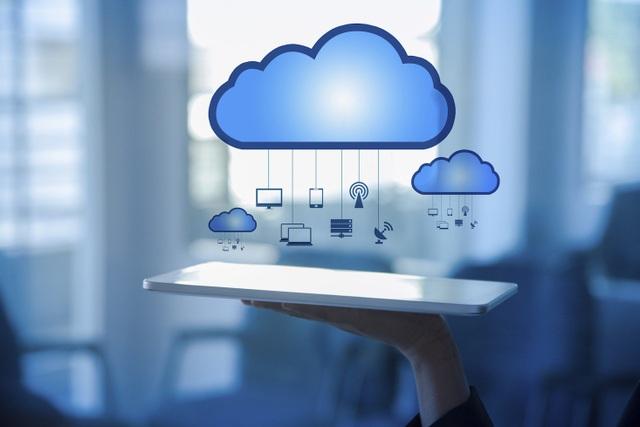 Dịch vụ đám mây giúp Microsoft và Amazon bay cao trong năm 2018.