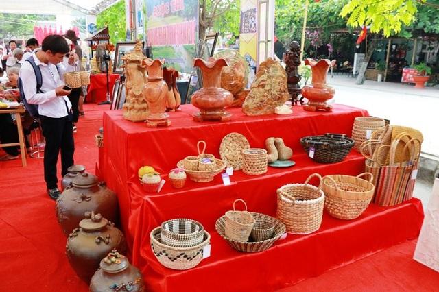 Các sản phẩm đặc sản của Ninh Bình được quảng bá tại tuần du lịch.