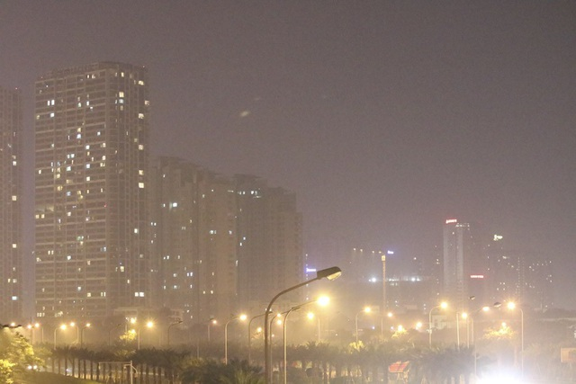 Đô thị phía Tây Hà Nội mờ ảo vì khói đốt rơm - 8