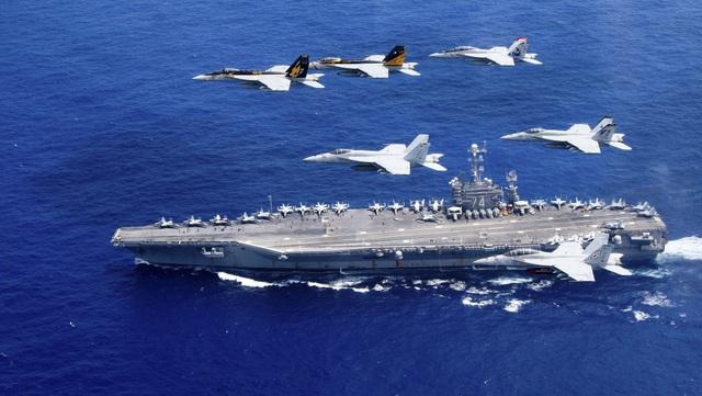 Tàu chiến và máy bay của Hải quân Mỹ (Ảnh: Hải quân Mỹ)