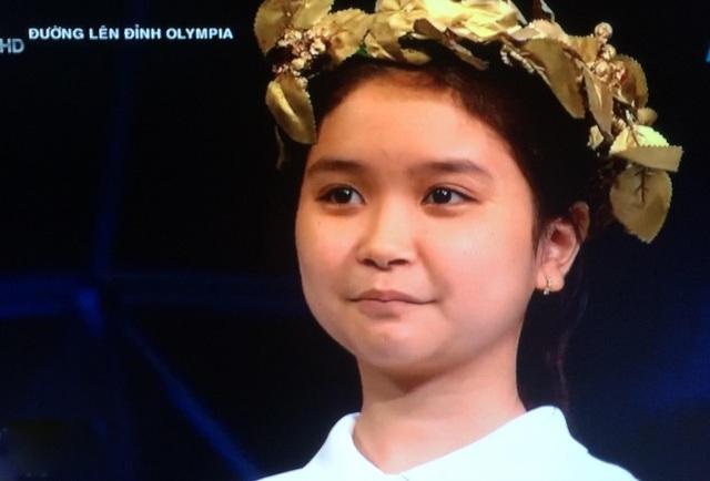 Thuỳ Tiên giành vòng nguyệt quế trong cuộc đấu mà các thí sinh khá cân tài cân sức.