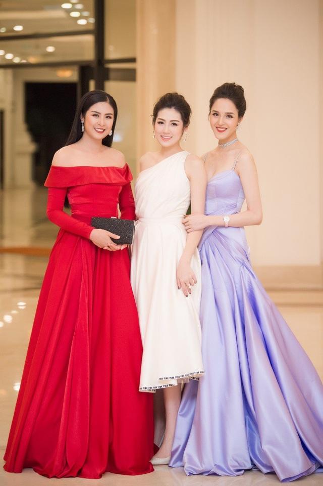 Bộ 3 chị em thân thiết: Ngọc Hân - Tú Anh - Hoàng Anh.