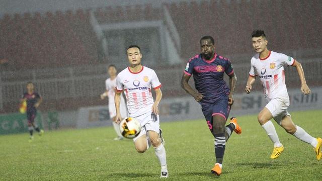 Sài Gòn FC và Nam Định cùng đua đến chiếc vé chống rớt hạng (ảnh: Trọng Vũ)
