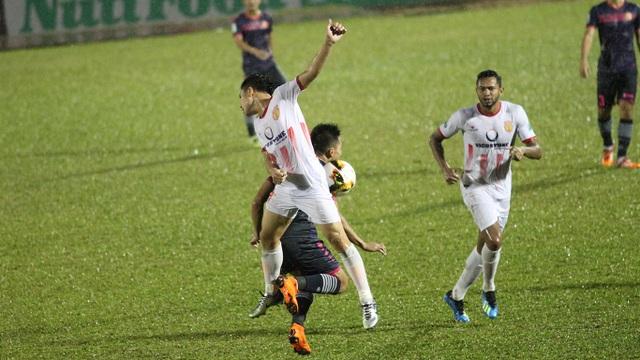 Sài Gòn FC có trận thuỷ chiến với Nam Định