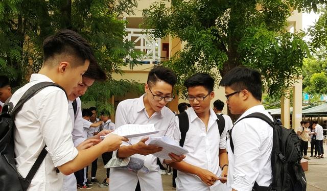 Nhiều giáo viên nhận định: Sẽ có thí sinh đạt điểm 10 môn Toán THPT quốc gia 2018? (Ảnh: Hà Cường)