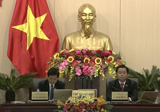 Tân Chủ tịch HĐND TP Nguyễn Nho Trung chủ toạ, điều hành kỳ họp cùng tân Phó Chủ tịch HĐND TP Lê Minh Trung