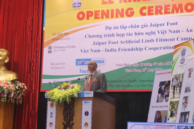 Đại sứ Ấn Độ tại Việt Nam Pavathaneni Harish phát biểu tại lễ khai mạc (Ảnh: Thành Đạt)