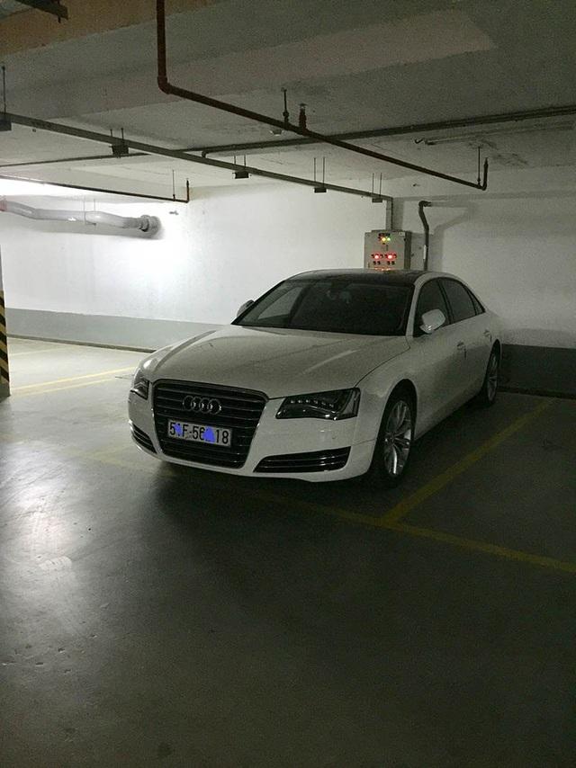 1 xe Audi bị tạm giữ khi Bộ Công an triệt phá hệ thống cờ bạc cực khủng