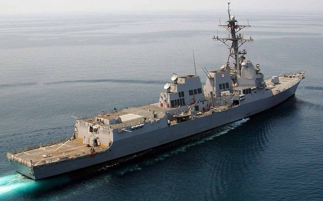 Tàu USS Mustin (Ảnh: DefPost)