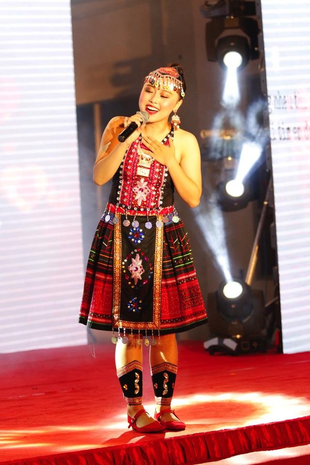 Đỗ Hải Băng gây ấn tượng với giọng hát đầy nội lực