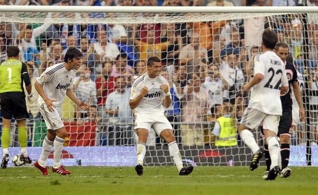 C.Ronaldo ghi bàn thắng đầu tiên cho Real Madrid vào ngày 26/8/2009