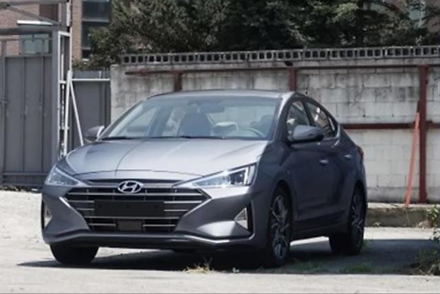 Hình ảnh đầu tiên về Hyundai Elantra phiên bản nâng cấp - 1