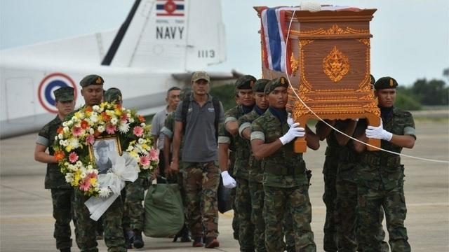 Anh là người duy nhất tử nạn trong chiến dịch giải cứu đầy tình người này. (Ảnh: Reuters)
