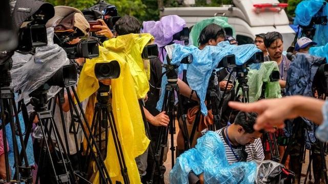 Cuộc giải cứu trong hang Tham Luang đã thu hút sự quan tâm của đông đảo truyền thông quốc tế. (Ảnh: Getty)