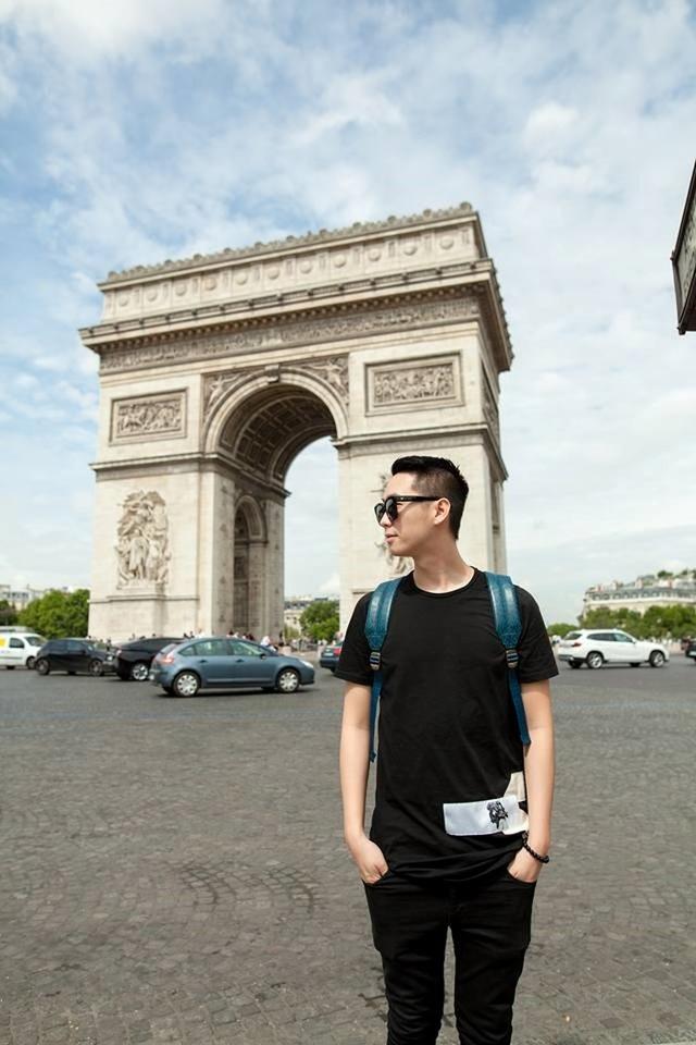 Dương Đức Anh từng đi du học tại Canada, chuyên ngành Thương mại.