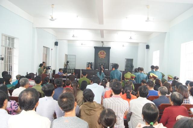 TAND TP Phan Thiết tổ chức xét xử các đối tượng tham gia gây rối trật tự tại trụ sở UBND tỉnh Bình Thuận