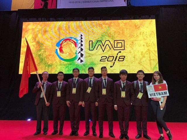 Cả 6 học sinh Việt Nam tham dự Olympic Toán học quốc tế lần thứ 59 đều đoạt giải