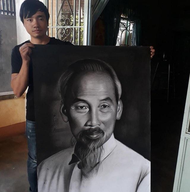 Thanh Lâm bên bức tranh vẽ Bác