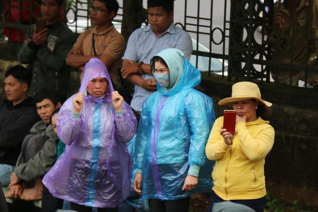 Vụ nổ súng 3 người chết ở Đắk Nông: Bị cáo Đặng Văn Hiến y án tử hình - 4