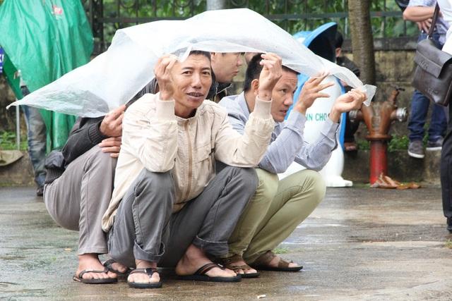 Vụ nổ súng 3 người chết ở Đắk Nông: Bị cáo Đặng Văn Hiến y án tử hình - 5