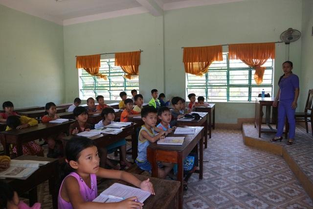 Lớp học miễn phí hiện nay đã thu hút hơn 700 em học sinh đăng ký tham gia