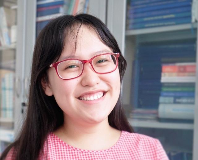 Đinh Uyển My - nữ sinh đạt điểm 10 môn Ngoại ngữ trong kỳ thi THPT quốc gia, và trúng tuyển học bổng du học của nhiều trường đại học ở Mỹ