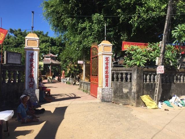 Di tích chùa Ông là một trong những công trình đang bị người dân lấn chiếm