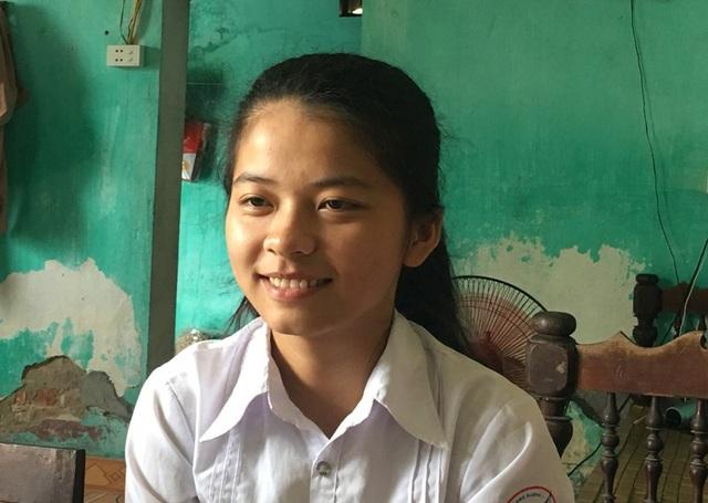 Em Đặng Thị Thương, học sinh lớp 12T1, Trường THPT Quảng Xương 1