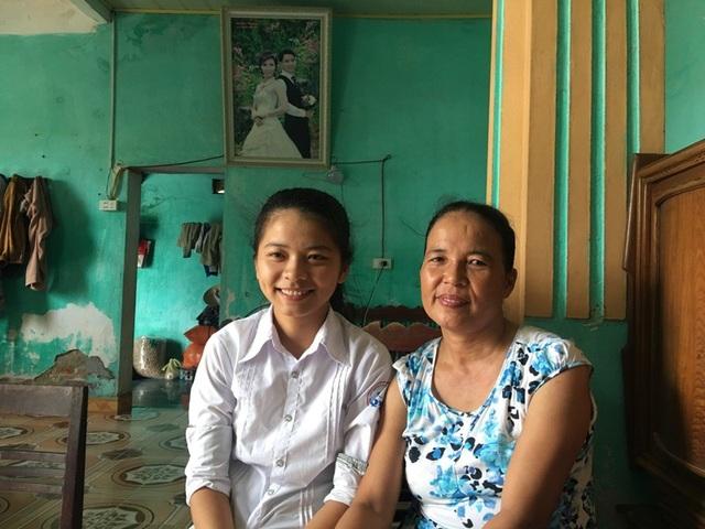 Thành tích học tập của Thương chính là món quà lớn nhất đối với mẹ