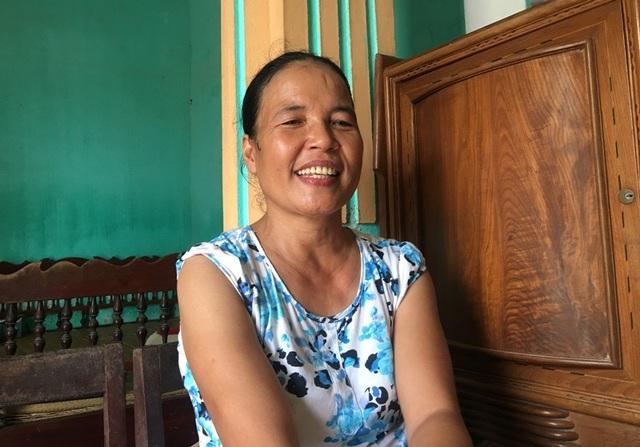 Chị Đàm Thị Xuân dù mang trong người căn bệnh hiểm nghèo nhưng vẫn luôn tươi cười động viên các con