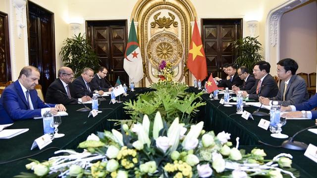 Cuộc hội đàm giữa lãnh đạo cấp cao hai nước