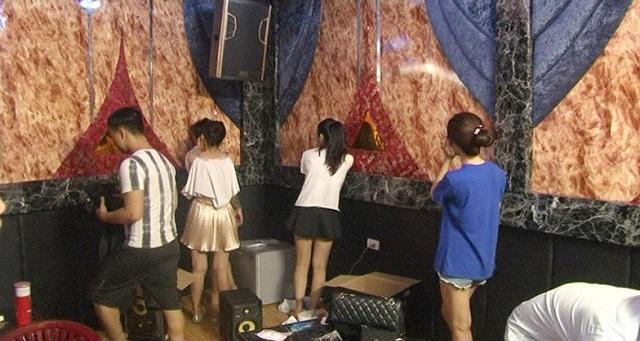 Các nhóm nam nữ thanh thiếu niên đang nhảy nhót, phê ma túy trong nhà nghỉ Cloud, thành phố Huế