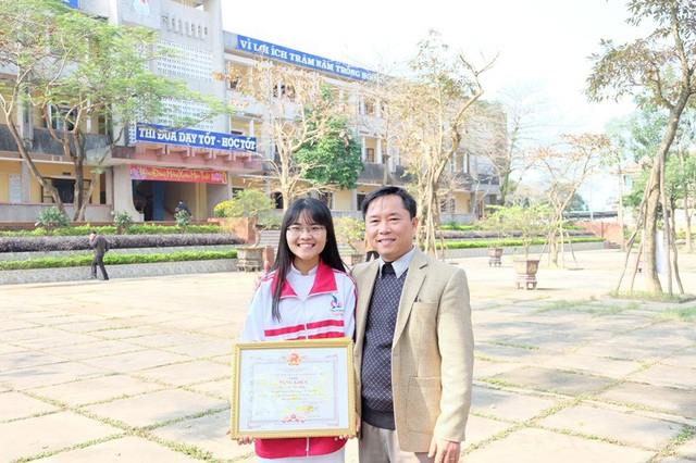 Trong quá trình học, Hồ Thu Thủy đã đạt được nhiều giải thưởng.