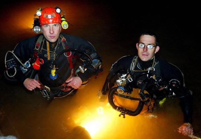 Hai thợ lặn người Anh Rick Stanton (phải) và John Volanthen (Ảnh: Reuters)