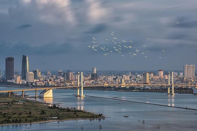 Giá đất tại khu vực ven biển dọc theo trục đường Võ Nguyên Giáp, mặt đường được xác định khoảng 300 triệu đồng/m2 nhưng không có giao dịch nào xuất hiện.